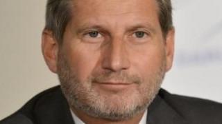 Ο Χαν καλεί τους ηγέτες των Δυτικών Βαλκανίων να εκμεταλλευτούν την ευκαιρία για ένταξη