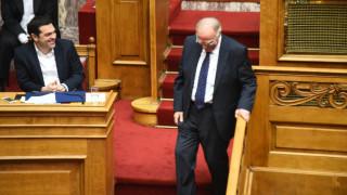 Ώρα του Πρωθυπουργού: Ο Τσίπρας απαντά στον Λεβέντη για την Υγεία