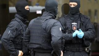 Απαντήσεις στο μηχάνημα ελέγχου του αεροδρομίου ψάχνουν οι Αρχές για το τρομοδέμα στον Σόιμπλε