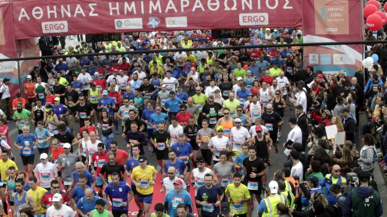 Ημιμαραθώνιος: Ρεκόρ συμμετοχών με σύμμαχο τον καλό καιρό (pics)