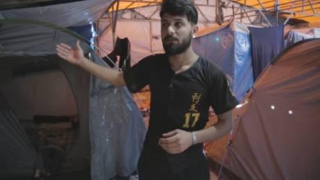 Μαρτυρίες τριών προσφύγων από τη Μόρια