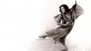 Έφυγε από τη ζωή η κορυφαία Αμερικανίδα χορογράφος Tρίσα Μπράουν