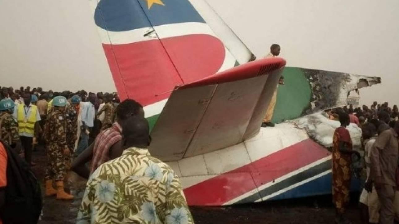 Πώς κατάφεραν να σωθούν οι 45 επιβάτες του αεροπλάνου που συνετρίβη (pics)