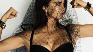 Καμία Lady Gaga. H Πενέλοπε Κρουζ, μία Ντονατέλα Βερσάτσε μέσα στο αίμα