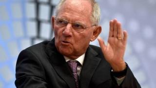 Αυστηρό μήνυμα Σόιμπλε: Χωρίς το ΔΝΤ δεν έχει δόση