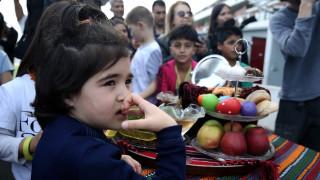 Οι πρόσφυγες στο Ελληνικό γιόρτασαν την Πρωτοχρονιά Nowruz (pics)