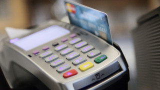 Πόσα ξοδεύουν οι Ευρωπαίοι στις συναλλαγές μέσω κινητών τηλεφώνων