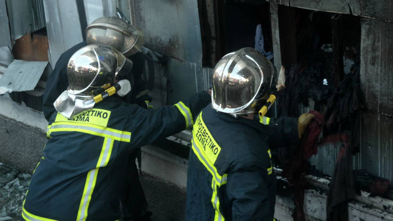 Πυρκαγιά σε εργοστάσιο στα Οινόφυτα