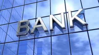Σε «συναγερμό» οι τράπεζες για τις εκροές καταθέσεων
