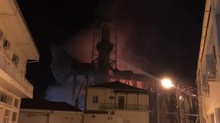 Φωτιά στο τέμενος Βογιαζήτ στο κέντρο του Διδυμοτείχου (pics&vid)