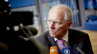 Die Welt: Ωρολογιακή βόμβα η εμμονή του Σόιμπλε για το ΔΝΤ στην Ελλάδα