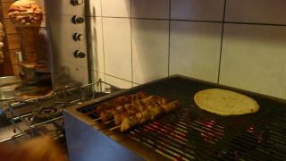 Έρευνα: Ξοδεύουμε 6,5 δισ. ευρώ ετησίως για έτοιμο φαγητό