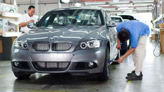 Πώς μπορούν 2 εργάτες να προκαλέσουν ζημιές 1 εκατομμυρίου ευρώ σε μια αυτοκινητοβιομηχανία;