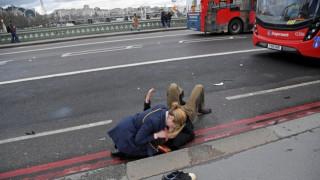 Λονδίνο: Τα πρώτα λεπτά της επίθεσης όπως τα περιγράφει φωτορεπόρτερ του Reuters (pics)