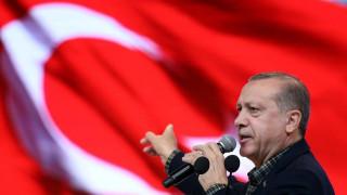 Εξηγήσεις από τον Ερντογάν ζητά επίσημα η ΕΕ