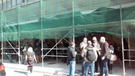 Χανιά: Υπό κατάληψη η εφορία - Ο δήμαρχος ζητά αποκατάσταση κτηρίου (pics)