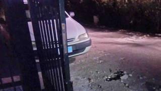 Οδηγός έπεσε στην είσοδο του θεάτρου Επιδαύρου και εξαφανίστηκε (pics)