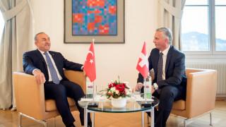 Ελβετία: Ο ΥΠΕΞ προειδοποίησε Τσαβούσογλου για τυχόν παράνομες παρακολουθήσεις