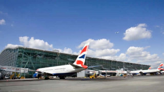 H EE ζητά από ευρωπαϊκές αεροπορικές να μετακομίσουν από τη Βρετανία