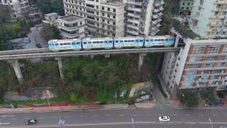 Το τρένο που κάνει στάση στον 6ο όροφο
