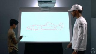 Η σαιζόν της Φόρμουλα 1 ξεκινά με νέους κανονισμούς και ο Lewis Hamilton τους εξηγεί