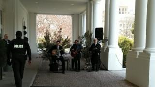 Μπουζούκια και ελληνικοί χοροί στον Λευκό Οίκο (pics)