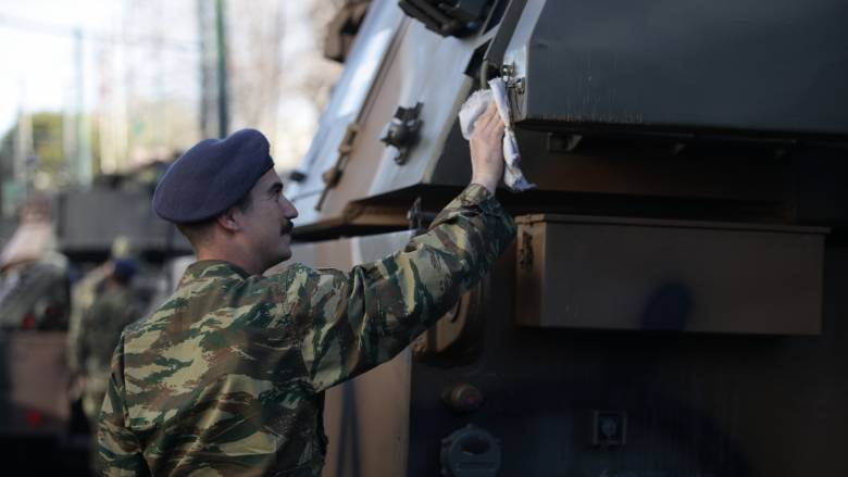25η Μαρτίου: Οι προετοιμασίες για τη στρατιωτική παρέλαση (pics)