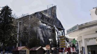 Η Λυδία Κονιόρδου στο κατεστραμμένο Τέμενος Βαγιαζήτ