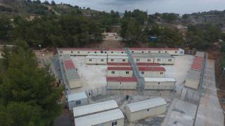 Κέντρα κράτησης κλειστού τύπου στα νησιά για παράτυπους μετανάστες