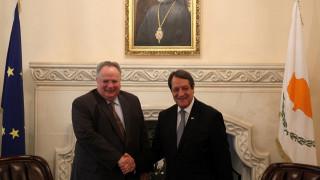 Για τη συνέχιση των διαπραγματεύσεων στο Κυπριακό συζήτησαν Κοτζιάς-Αναστασιάδης