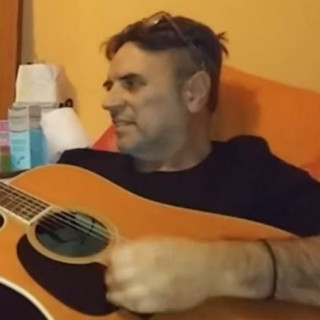 Πέθανε ο τραγουδιστής Γρηγόρης Γκολφινόπουλος