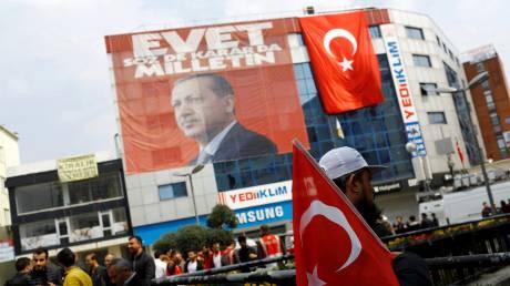 Δημοψήφισμα Τουρκία: Ήττα Ερντογάν στα… σημεία δείχνουν οι δημοσκοπήσεις