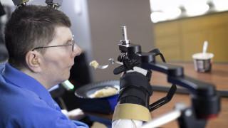 Νευροπροσθετικό σύστημα χάρισε ξανά τη δυνατότητα της κίνησης σε τετραπληγικό