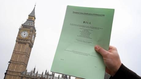 Brexit: Αντίστροφη μέτρηση για την ενεργοποίηση του Άρθρου 50