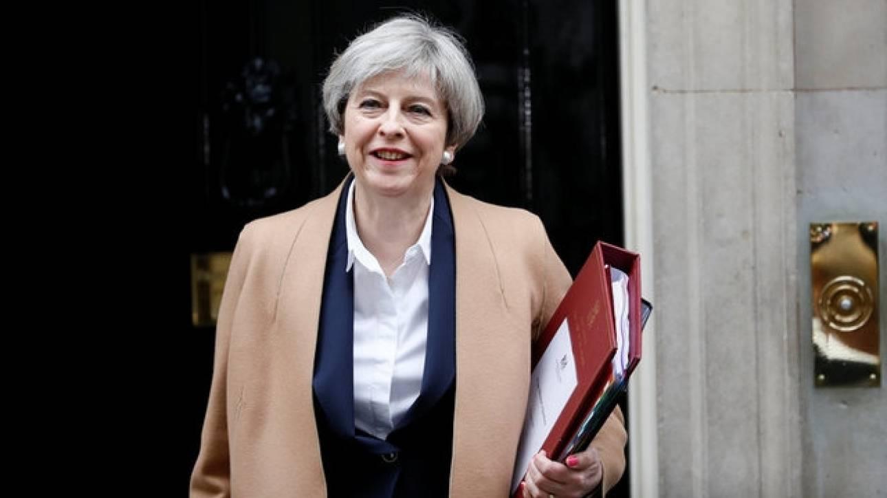 Τερέζα Μέι: Παραδέχθηκε ότι θα υπάρξουν συνέπειες από το Brexit