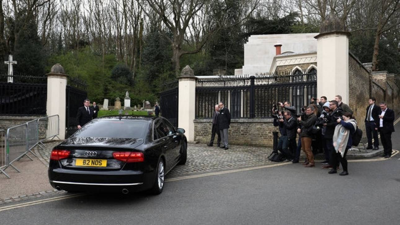 Έγινε η κηδεία του Τζορτζ Μάικλ (pics)