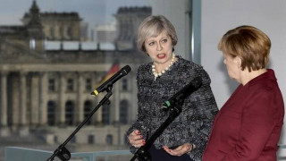 Brexit: H πρώτη επίδειξη δύναμης της Μέρκελ προς την Μέι