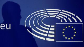 Brexit: Οι Ευρωπαίοι «δείχνουν τα δόντια τους» στη Βρετανία – Απειλεί το Λονδίνο