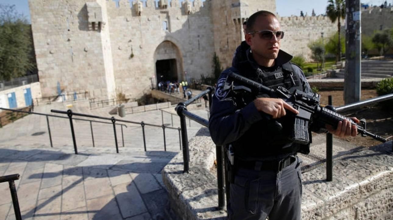 Ισραηλινοί αστυνομικοί σκότωσαν γυναίκα που τους επιτέθηκε με μαχαίρι