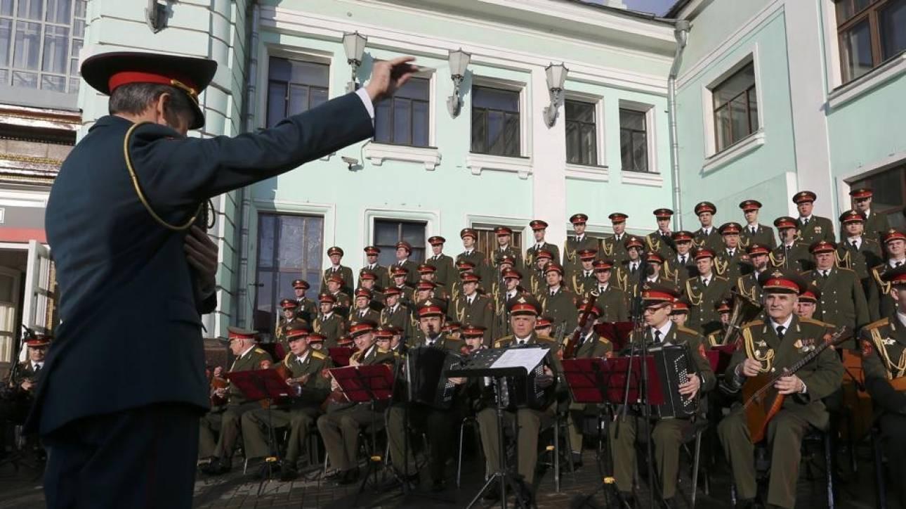Η ρωσική στρατιωτική χορωδία «Αλεξάντροφ» στην Κων/πολη για πρώτη φορά μετά την τραγωδία