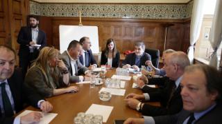 Τσακαλώτος και Αχτσιόγλου ενημέρωσαν τους ΑΝΕΛ: Στις 6.000 το αφορολόγητο και μείωση συντάξεων