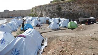 Διασωληνωμένος ο πρόσφυγας που αυτοπυρπολήθηκε