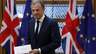 Η Ε.Ε ανακοινώνει τις κατευθυντήριες γραμμές για το Brexit