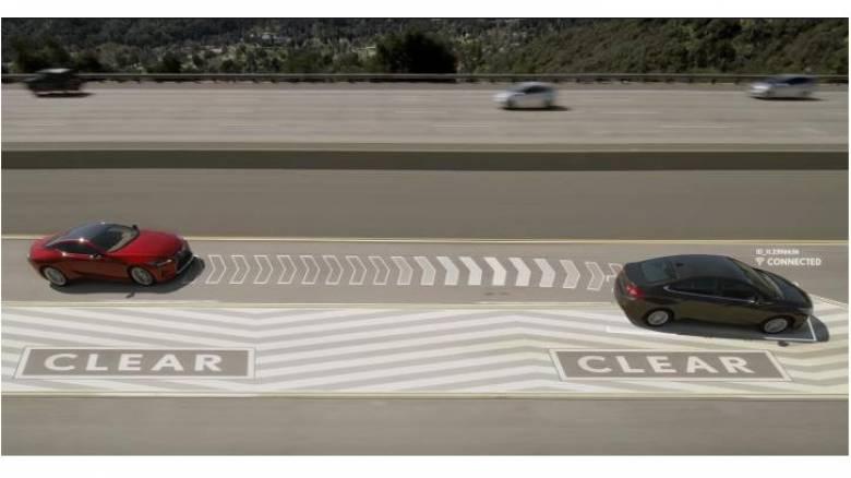 Απίστευτο: Το σύστημα της Lexus που αδειάζει την αριστερή λωρίδα από τους αργούς οδηγούς