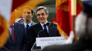 Γαλλία: Μακρόν-Λεπέν χάνουν «έδαφος» - Άνοδος για τον Φιγιόν