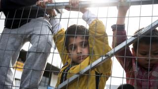 Spiegel: Πριμ στους πρόσφυγες για να ανακουφιστεί η Αθήνα από αιτήσεις ασύλου