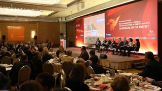 Συνέδριο Economist: Ώρα μηδέν για το ασφαλιστικό