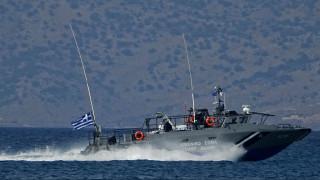Ακυβέρνητο πλοίο βόρεια της Άνδρου