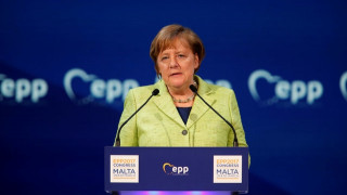 Μέρκελ: Οι πρόσφυγες στη Γερμανία θα πρέπει να σέβονται τους νόμους του κράτους