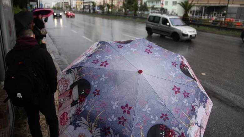 Καιρός: Με βροχές και νεφώσεις αρχίζει η εβδομάδα